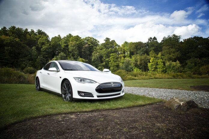 Tesla consegna per la prima volta più di 200.000 veicoli in un trimestre
